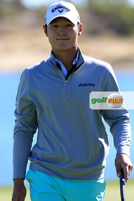 Danny Lee (NZL) on the 18th green during Saturday's Round 3 of the 2017 CareerBuilder Challenge held at PGA West, La Quinta, Palm Springs, California, USA.<br /> 21st January 2017.<br /> Picture: Eoin Clarke | Golffile<br /> <br /> <br /> All photos usage must carry mandatory copyright credit (&copy; Golffile | Eoin Clarke)