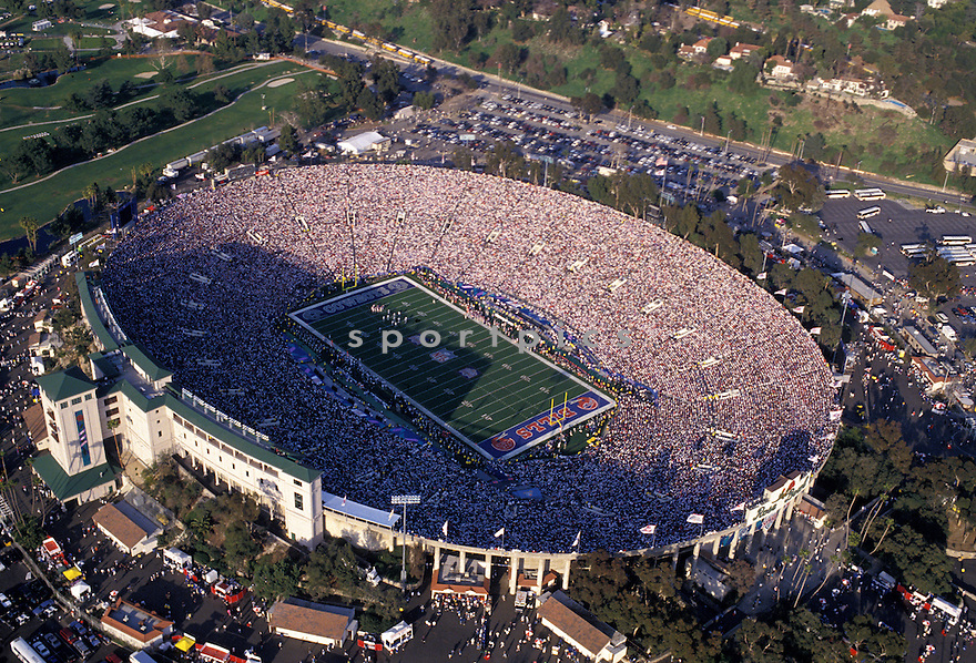 Overall of the Rose Bowl Stadium In Pasadena, California during Super Bowl XXVII  game between the Buffalo Bill and the Dallas Cowboys on January 31, 1993 The Cowboys beat the Bills 52-17 to win Super Bowl XXVII. David Durochik/SportPics