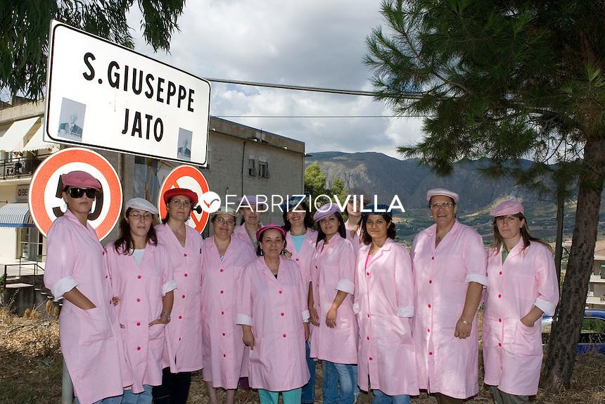 """San Giuseppe Jato (PA), Fabbrica """"San Giuseppe spa"""" de La Coppola Storta. Foto Fabrizio Villa"""