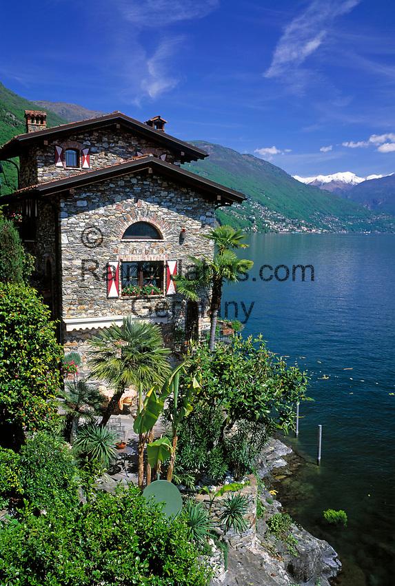 ITA, Italien, Piemont, Lago Maggiore, bei Canobbio: Haus am See | ITA, Italy, Piedmont, Lago Maggiore, near Canobbio: house at the lake
