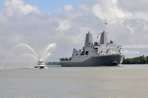 New Orleans, LA - October 13, 2009 -- In this photo provided by the United States Navy, the amphibious transport dock ship Pre-Commissioning Unit (PCU) New York (LPD 21) transits the Mississippi River Tuesday, October 13, 2009, after departing Northrop Grumman Ship Systems in Avondale, Louisiana. New York has 7.5 tons of steel from the World Trade Center in her bow, and is scheduled to be commissioned November 7 in New York. .Mandatory Credit: Shawn D. Graham / US Navy via CNP