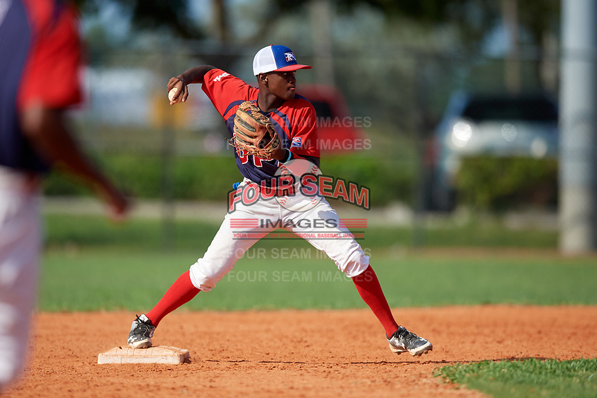 Cesar De la cruz (4) during the Dominican Prospect League Elite Florida Event at Pompano Beach Baseball Park on October 14, 2019 in Pompano beach, Florida.  (Mike Janes/Four Seam Images)