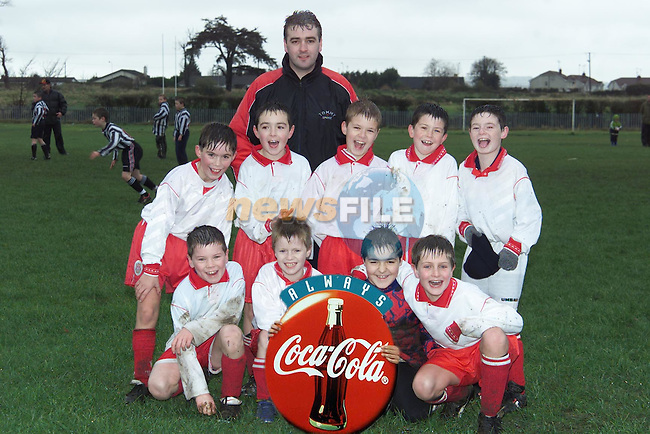 Boyne Blue Under 9's who played Grove Rangers in ther DDL which is sponsered by Drogheda Concentrates. Back Row L/R, Colm Clinton, Dean Carolan, Gary Carolan (manager), Kieran Hoey, Chris Kerr and Conor Kelly. Front Row L/R, Rory Moore, Shane Floyd, Scott Gaynor and James Hussey..Picture: Paul Mohan/Newsfile