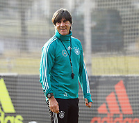 Bundestrainer Joachim Loew (Deutschland Germany) gut gelaunt - 25.03.2018: Training der Deutschen Nationalmannschaft, Olympiastadion Berlin