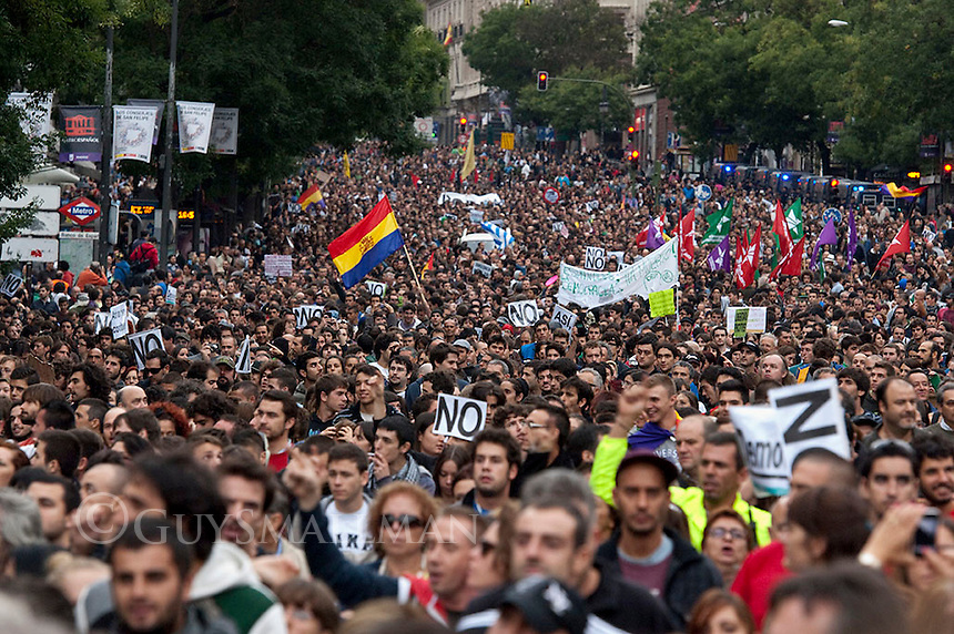 Anti Austerity protests Madrid. 25-9-12 Thousands of people march to surround the congress in Madrid in protest at austerity measures.