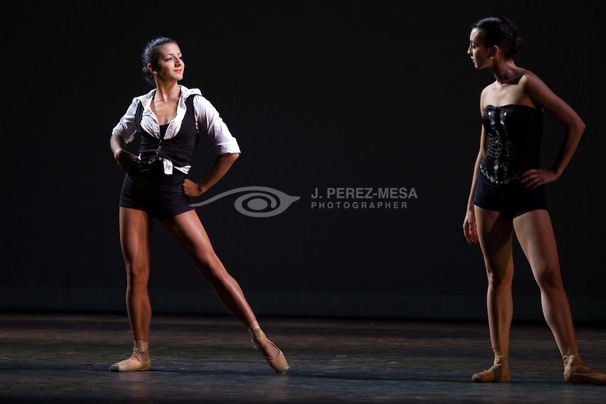 "Western Ballet Teater's ""Tangos"", director and choreographer Nana Badrena with music of Argentinian composer/singer Nacha Guevara. Dancers: Yamilette Padilla, Gina Battista, Dillon Shirferly and David Soler."