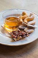 Italie, Vénétie, Venise: Cicchetti: Desserts vénitiens-   Bar à cicchetti: Osteria da Codroma, Sestiere dorsoduro, fondamenta briati  // Italy, Veneto, Venice: