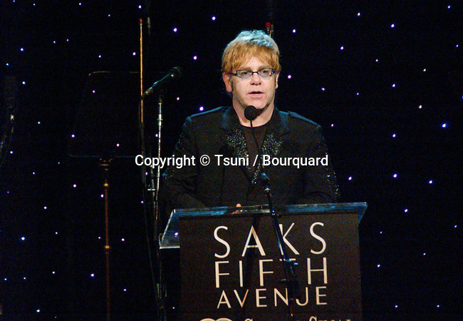 Elton Jones received the Courage Awards at the benefit for the Cedars Sinai research for Women's Cancer at the Regent Beverly Wilshire in Los Angeles. March 26, 2002.             -            JohnElton10.jpg