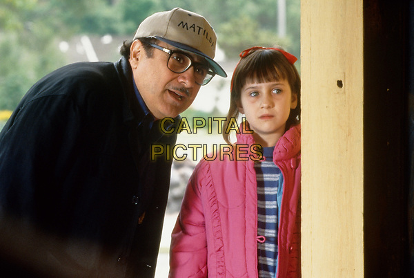 Matilda (1996) <br /> Behind the scenes photo of Danny DeVito &amp; Mara Wilson<br /> *Filmstill - Editorial Use Only*<br /> CAP/KFS<br /> Image supplied by Capital Pictures