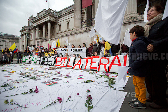 London, 12/10/2016. Today, London&rsquo;s Colombian people gathered in Trafalgar Square to call for an end of the Colombian civil war and to demand for a prompt Peace agreement. From the organisers Facebook event page: &lt;&lt;[&hellip;] We are joining the tribute being held in Bogota this Wednesday, to all the victims that the Colombian conflict has left. From London we are also demanding #PeaceDealNow! We are inviting you to join #PazALaCalleUK (Peace to the streets) and bring some flowers and electric candles to support the Colombian peace process. [&hellip;] We are joining the massive #MarchaDeLasFlores and this is their message: &quot;We are inviting all citizens to join this exercise of empathy and solidarity towards the victims, our heroes of forgiveness. 3000 victims and 7000 indigenous people will come to Bogot&aacute; to demand for a prompt Peace agreement. And we want to receive them with honours. In alliance with ONIC (National Organization of Colombian Indigenous Peoples), some women organizations, the Unit of Victims and the student movement we'll do a human corridor from the Planetario to the Plaza de Bol&iacute;var. We will receive them with flowers and thousands of claps. They will be moving from the Universidad Nacional and the Centre of Memory and Reconciliation in the Calle 26. Because war is not an option anymore, this 12 of October we ALL say &quot;FOR THE VICTIMS, PEACE DEAL NOW!&quot;&gt;&gt;.<br /> <br /> For more information please click here: https://www.facebook.com/events/1582316352078318/