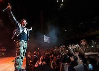 """SAO PAULO, SP, 30.08.2014 - SHOW CAPITAL INICIAL: A banda Capital Inicial, durante show de divulgação do CD """"Viva a Revolução"""", na noite deste sabado (30) no Citibank Hall em São Paulo. (Foto: Levi Bianco - Brazil Photo Press)"""