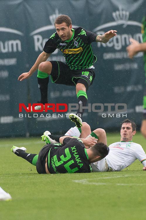 13.01.2015, Regnum Sport Center, Belek, TUR, 1.FBL, FSP Werder Bremen vs Borussia Moenchengladbach , im Bild<br /> Fabian Johnson  (Borussia M&ouml;nchengladbach)<br /> Fin Bartels (Bremen #22)<br /> Granit Xhaka (Borussia M&ouml;nchengladbach)<br /> <br /> <br /> Foto &copy; nordphoto / Kokenge
