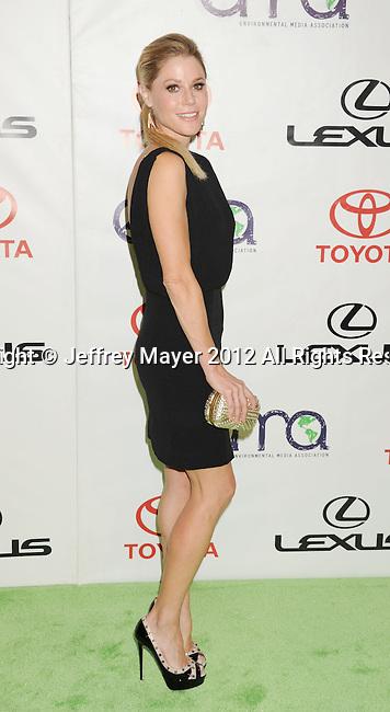 BURBANK, CA - SEPTEMBER 29: Julie Bowen arrives at the 2012 Environmental Media Awards at Warner Bros. Studios on September 29, 2012 in Burbank, California.