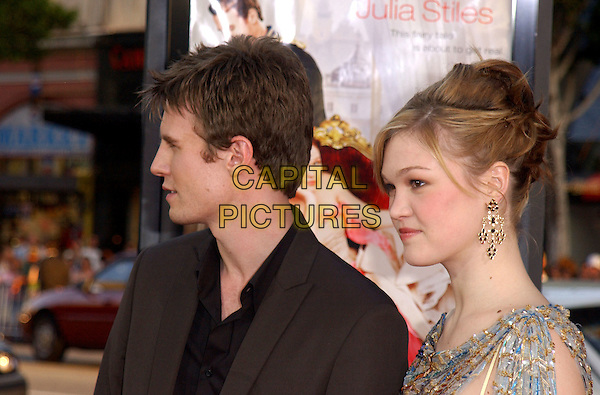 JULIA STILES & LUKE MABLY.World Premiere of The Prince & Me held at The Grauman's Chinese Theatre in Hollywood .28 March 2004.*UK Sales Only*.www.capitalpictures.com.sales@capitalpictures.com.©Capital Pictures.