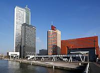 Kantoren aan de maas in Rotterdam. Links de Maastoren