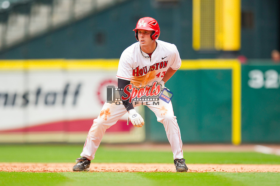 Matt Creel of the Houston Cougars takes his lead off of first base against the Baylor Bears at Minute Maid Park on March 4, 2011 in Houston, Texas.  Photo by Brian Westerholt / Four Seam Images
