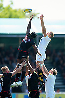 Maro Itoje of Saracens competes with Joe Launchbury of Wasps for the ball at a lineout. Aviva Premiership Semi Final, between Saracens and Wasps on May 19, 2018 at Allianz Park in London, England. Photo by: Patrick Khachfe / JMP