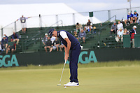 Chesson Hadley (USA) putts on the 8th green during Friday's Round 2 of the 118th U.S. Open Championship 2018, held at Shinnecock Hills Club, Southampton, New Jersey, USA. 15th June 2018.<br /> Picture: Eoin Clarke | Golffile<br /> <br /> <br /> All photos usage must carry mandatory copyright credit (&copy; Golffile | Eoin Clarke)