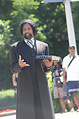 Parcicipants were transported back in time to the 1869 Battle of Nashville Saturday afternoon as the DuSable Museum hosted the 2nd annual Civil War Family Day in Washington Park.<br /> <br /> Ator, Kevin Mcilvaine as Frederick Douglas.
