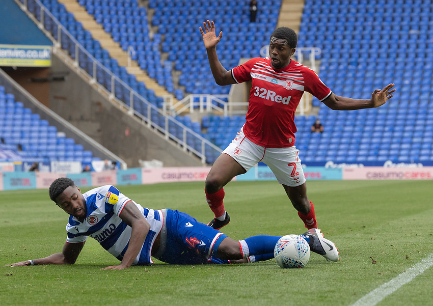 Middlesbrough's Anfernee Dijksteel (right) battles with Reading's Tyler Blackett (left) <br /> <br /> Photographer David Horton/CameraSport<br /> <br /> The EFL Sky Bet Championship - Reading v Middlesbrough - Tuesday July 14th 2020 - Madejski Stadium - Reading<br /> <br /> World Copyright © 2020 CameraSport. All rights reserved. 43 Linden Ave. Countesthorpe. Leicester. England. LE8 5PG - Tel: +44 (0) 116 277 4147 - admin@camerasport.com - www.camerasport.com