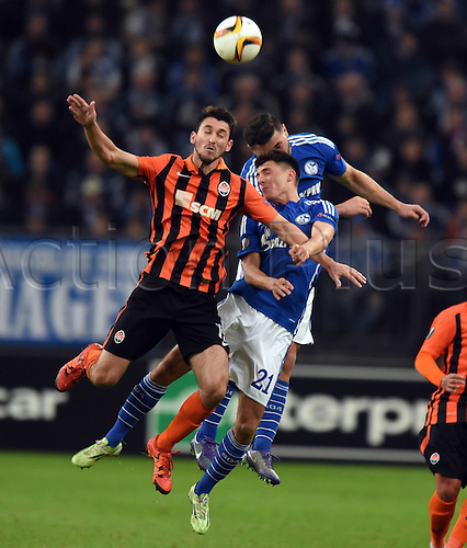 25.02.2016. Gelsenkirchen, Germany. Europa League Round of 32 Second Leg soccer match between Schalke 04 and FC Shakhtar Donetsk in the Veltins Arena in Gelsenkirchen, Germany. Facundo Ferreyra (Donezk) challenges Allessandro Schopf and Sead Kolasinac