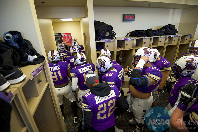 FRISCO, TX - JANUARY 07:  James Madison University prepares to take on Youngstown State University during the Division I FCS Football Championship held at Toyota Stadium on January 7, 2017 in Frisco, Texas. (Photo by Jamie Schwaberow/NCAA Photos via Getty Images)