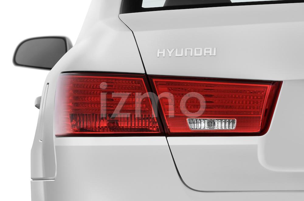 Tail light close up detail view of a 2010 Hyundai Sonata GLS