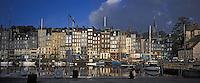 Europe/France/Normandie/Basse-Normandie/14/Calvados/Honfleur: Le port - Le vieux bassin