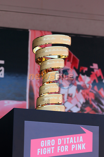 The winner's trophy on display at sign on before the start of Stage 2 of the 2016 Giro d'Italia running 190km from Arnhem to Nijmegen, The Nethrerlands. 7th May 2016.<br /> Picture: Eoin Clarke | Newsfile<br /> <br /> <br /> All photos usage must carry mandatory copyright credit (&copy; Newsfile | Eoin Clarke)