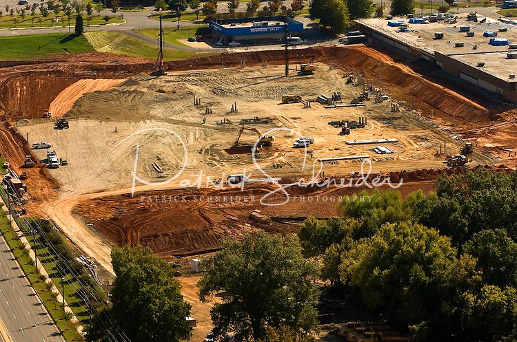 Aerial photo of construction at Charlotte Douglas International Airport, taken October 2008.