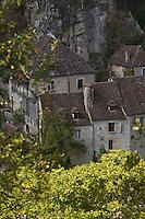 Europe/France/Midi-Pyrénées/46/Lot/Rocamadour: les maisons quercynoises du bas du village