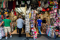 New York, NY 7 July 2014 - Canal Street stalls selling gifts, souvenirs and cheap jewelry. ©Stacy Walsh Rosenstock/Alamy