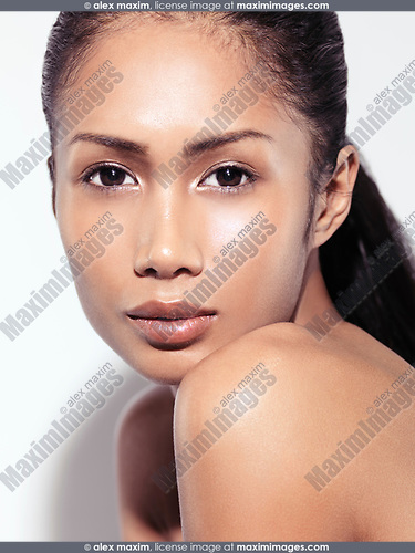 Closeup beauty portrait of an attractive young asian woman beautiful face with healthy natural sensual look
