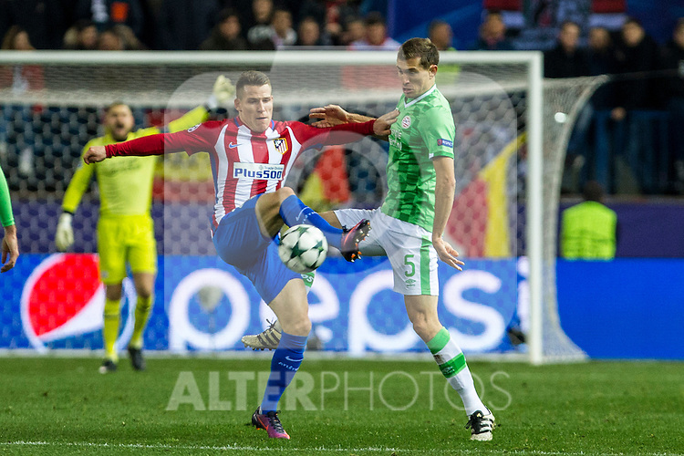 Atletico de Madrid's Kevin Gameiro, PSV Eindhoven's Daniel Schwaab during the Champions League match between Atletico de Madrid and PSV Eindhoven at Vicente Calderon Stadium in Madrid , Spain. November 23, 2016. (ALTERPHOTOS/Rodrigo Jimenez)