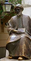 Spanien, Andalusien, Córdoba: Statue, Maimónides   Spain, Andalusia, Córdoba: Statue, Maimónides