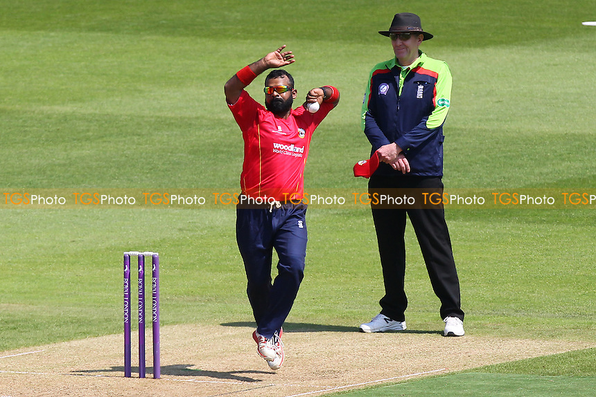Ashar Zaidi in bowling action for Essex during Hampshire vs Essex Eagles, Royal London One-Day Cup Cricket at the Ageas Bowl on 5th June 2016