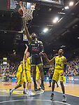 "13.04.2019, EWE Arena, Oldenburg, GER, easy Credit-BBL, EWE Baskets Oldenburg vs medi Bayreuth, im Bild<br /> unter dem Korb<br /> Adonis THOMAS (medi Bayreuth #1 ) William""Will"" CUMMINGS (EWE Baskets Oldenburg #3 ) Rashid MAHALBASIC (EWE Baskets Oldenburg #24 )<br /> Foto © nordphoto / Rojahn"