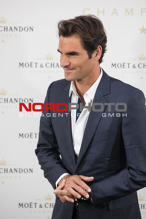 Swiss tennis player Roger Federer poses during Moet & Chandon event in Madrid, Spain. May 05, 2015. Foto © nph / Victor Blanco)