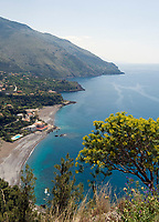 ITA, Italien, Basilikata, Costa di Maratea, die buchtenreiche Kueste von Maratea am Golf von Policastro mit Badeort Acquafredda | ITA, Italy, Basilicata, Costa di Maratea, coastline of Maratea at Gulf of Policastro with resort  Acquafredda