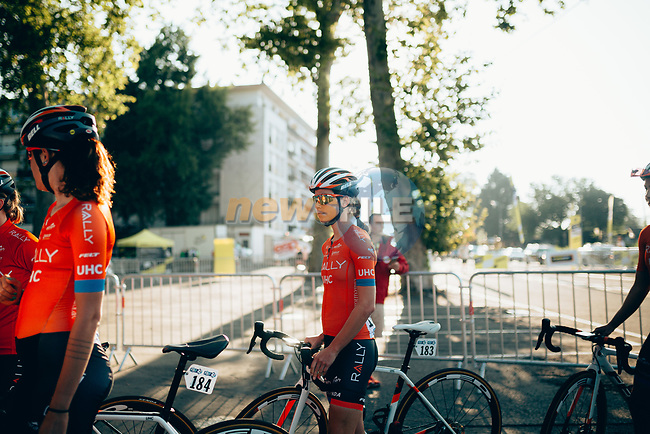 Kristabel Doebel-Hickok (USA) and Rally UHC Cycling Women at sign on before the start of La Course 2019 By Le Tour running 121km from Pau to Pau, France. 19th July 2019.<br /> Picture: ASO/Thomas Maheux | Cyclefile<br /> All photos usage must carry mandatory copyright credit (© Cyclefile | ASO/Thomas Maheux)
