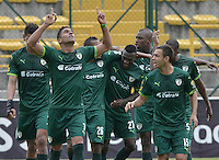 BOGOTÁ -COLOMBIA, 30-04-2016. Santiago Trellez (Izq) jugador de La Equidad celebra después de anotar un gol a Once Caldas durante partido por la fecha 16 de la Liga Águila I 2016 jugado en el estadio Metropolitano de Techo de la ciudad de Bogotá./ Santiago Trellez (L) of La Equidad celebrates after scoring a goal  to Once Caldas during match for the date 16 of the Aguila League I 2016 played at Metropolitano de Techo stadium in Bogotá city. Photo: VizzorImage/ Gabriel Aponte / Staff