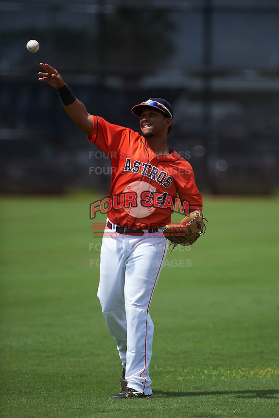 GCL Astros catcher Brian Pena (14) warms up before a game against the GCL Braves on July 23, 2015 at the Osceola County Stadium Complex in Kissimmee, Florida.  GCL Braves defeated GCL Astros 4-2.  (Mike Janes/Four Seam Images)
