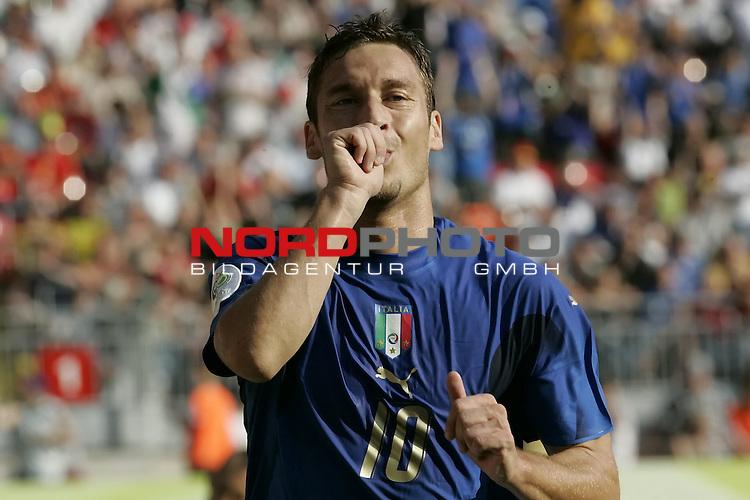 FIFA WM 2006 -  Round of Sixteen - / Viertelfinale <br /> Play      #53 (26-Jun) - Italien - Australien<br /> <br /> Tor Jubel TOTTI Francesco<br /> <br /> <br /> Foto &copy; nordphoto