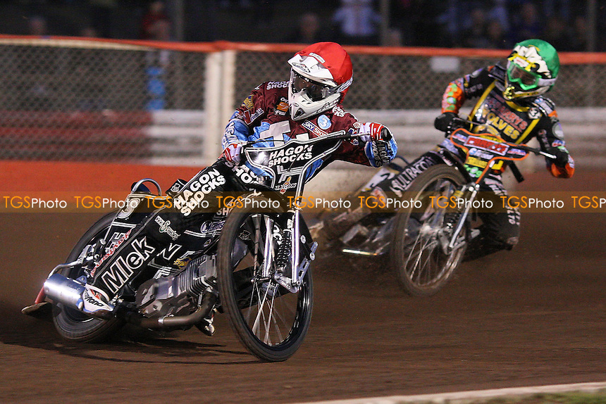 Heat 3: Lee Richardson (red) and Tai Woffinden (green) - Lakeside Hammers vs Wolverhampton Wolves - Sky Sports Elite League Speedway at Arena Essex Raceway, Purfleet - 01/05/09 - MANDATORY CREDIT: Gavin Ellis/TGSPHOTO - Self billing applies where appropriate - 0845 094 6026 - contact@tgsphoto.co.uk - NO UNPAID USE.