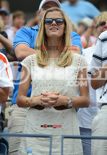 FLUSHING NY- SEPTEMBER 2: Brooklyn Decker watching her husband Andy Roddick celebrate after forth set victory Fabio Fognini on Arthur Ashe stadium at the USTA Billie Jean King National Tennis Center on September 2, 2012 in in Flushing Queens. Credit: mpi04/MediaPunch Inc. ***NO NY NEWSPAPERS*** /NortePhoto.com<br />