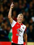 Nederland, Rotterdam, 24 september 2015<br /> KNVB Beker<br /> Seizoen 2015-2016<br /> Feyenoord-PEC Zwolle (3-0)<br /> Dirk Kuyt, aanvoerder van Feyenoord steekt zijn hand in de lucht nadat hij een doelpunt heeft gemaakt