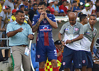 SANTA MARTA – COLOMBIA, 04-09-2019: Carlos Silva técnico de Unión gesticula durante el partido por la fecha 13 de la Liga Águila II 2019 entre Unión Magdalena y Atlético Junior jugado en el estadio Sierra Nevada de la ciudad de Santa Marta. / Carlos Silva coach of Union gestures during match for the date 13 as part Aguila League II 2019 between Union Magdalena and Atletico Junior played at Sierra Nevada stadium in Santa Marta city. Photo: VizzorImage / Gustavo Pacheco / Cont