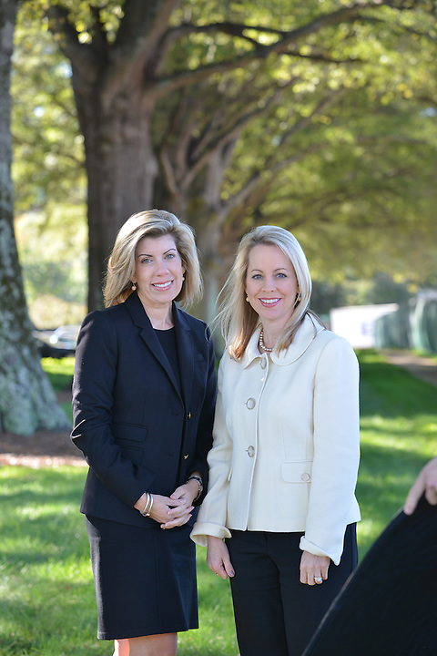 Queens Oak advisors and staff photos.