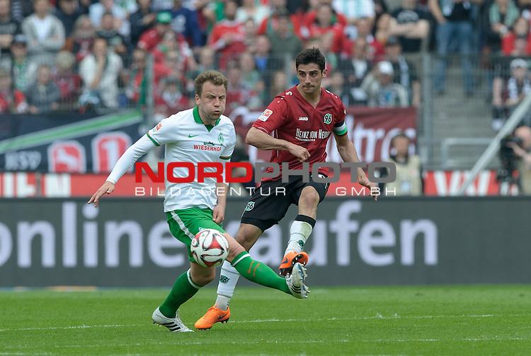 09.05.2015, HDI Arena, Hannover, GER, 1.FBL, Hannover 96 vs Werder Bremen, im Bild Philipp Bargfrede (Bremen #44), Lars Stindl (Hannover #10)<br /> <br /> Foto &copy; nordphoto / Frisch