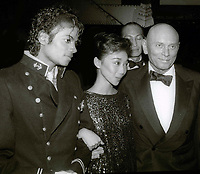 Michael Jackson Kathy Lee Brenner and husband Yul Brynner 1984<br /> Photo By John Barrett/PHOTOlink